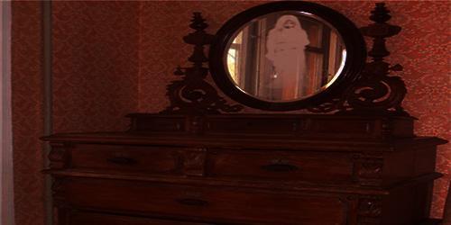 Страшная история про зеркало