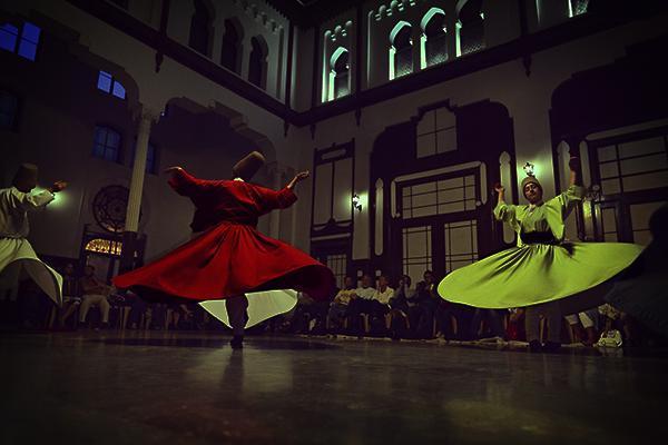 Танец суфийских дервишей